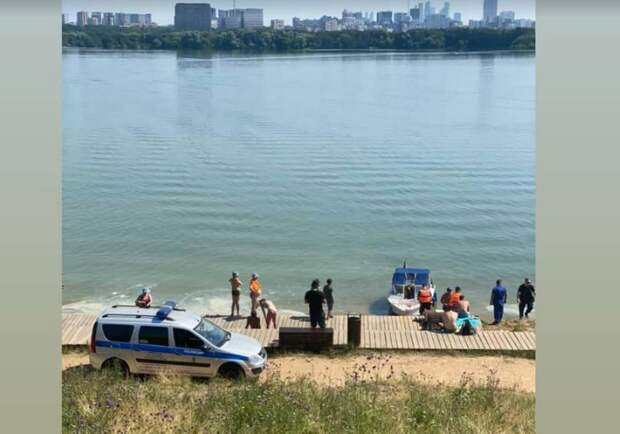В Строгинском заливе утонул мужчина