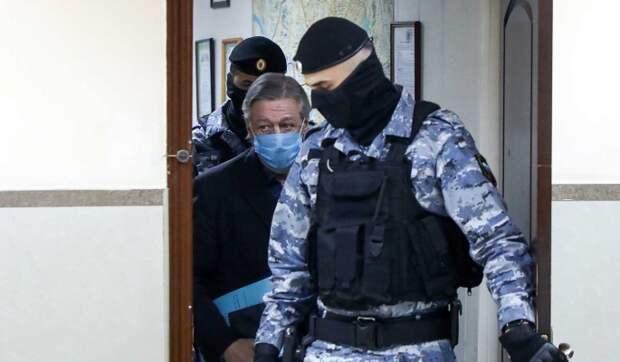 «Его не наказали»: сестра Ефремова сделала неожиданное заявление