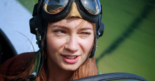 Кабо — бабушка, Луговая — летчица: первые фото со съемок сериала