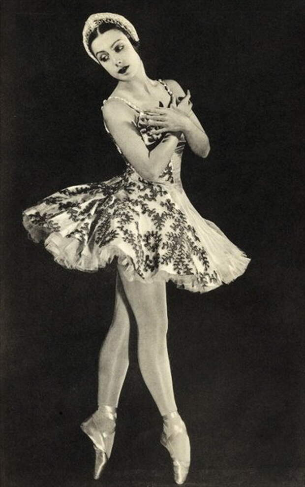 TAMARA TOUMANOVA, FROM 'FOOTNOTES TO THE BALLET  1938 (376x600, 54Kb)