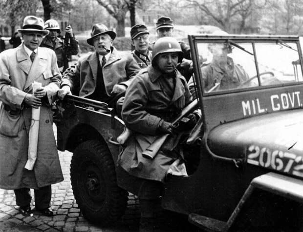 Феликс Люкнер в качестве переговорщика в апреле 1945, Галле