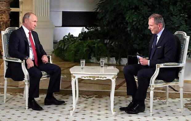 «Хамил и пытался уесть Путина». Политолог об австрийском журналисте