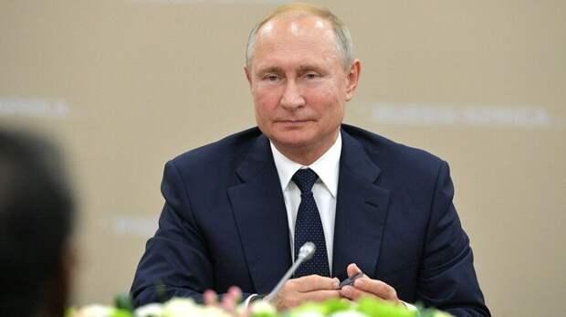 Путин утвердил указ о нерабочих днях между майскими праздниками