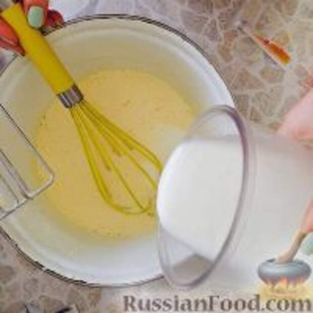 """Фото приготовления рецепта: Кефирный торт """"Деревенский"""" - шаг №3"""