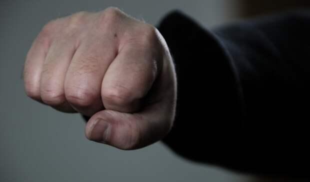«Сама виновата». Экс-бойфренд рассказал обизбиениях матери его сына