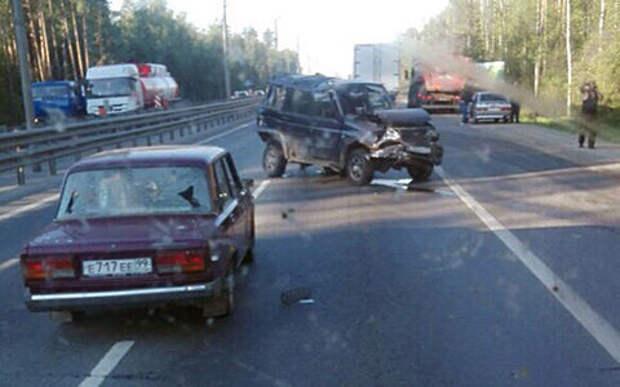КАМАЗ на встречке спровоцировал аварию 7 автомобилей