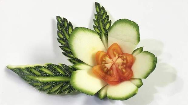 Карвинг для начинающих, или Как научиться искусству создания шедевров из фруктов и овощей