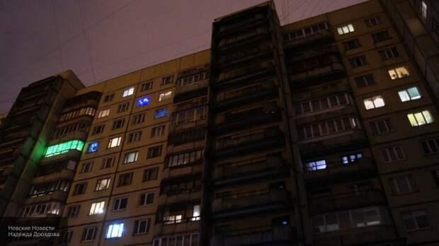 Выпавшая с 14-го этажа школьница впала в кому в Петербурге