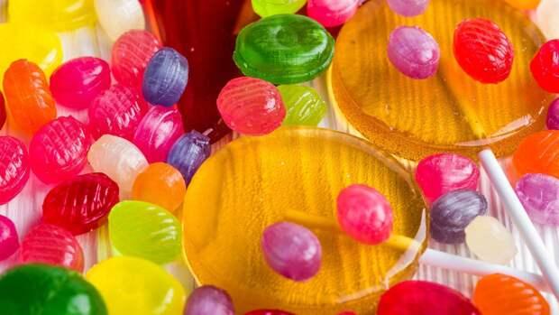 Доктор Эрк предупредил об опасности избыточного употребления сахара для детей