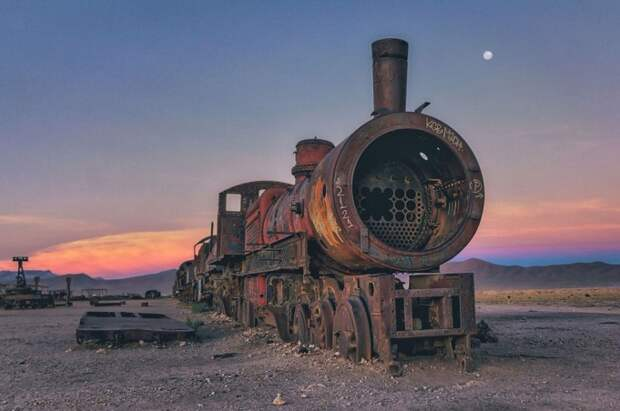 train-graveyard-bolivia-chris16-681x452