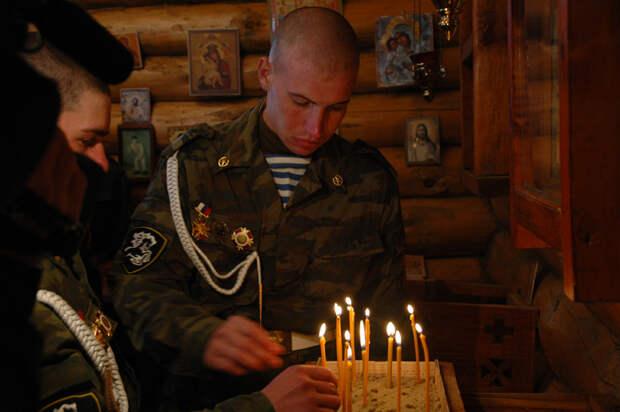 Россияне поддержали армию и РПЦ