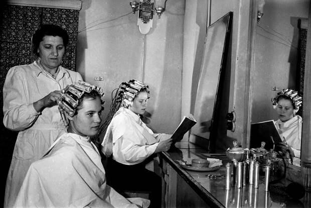 Атмосферные ФОТО парикмахерских СССР