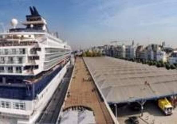 Порт Антверпена эвакуировали из-за химикатов