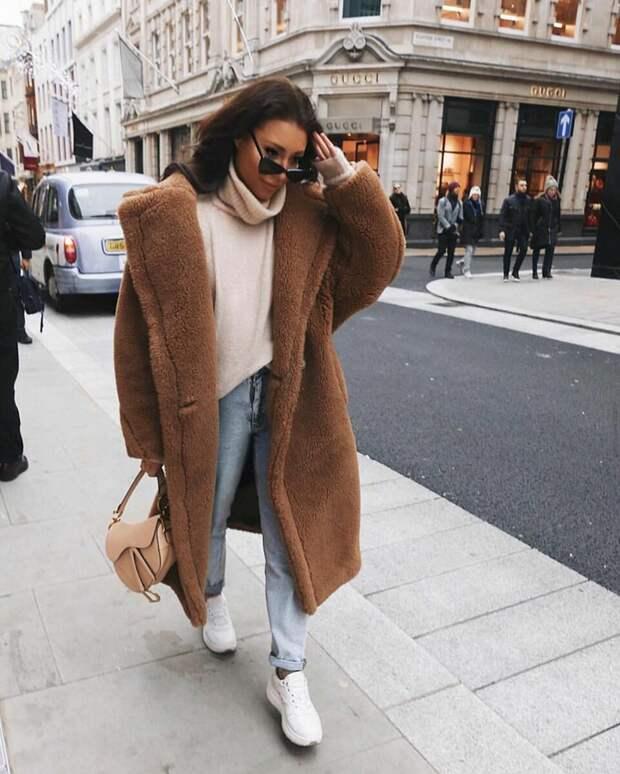 Джинсы зимой: 20 идей, которые помогут внести коррективы в ваш гардероб