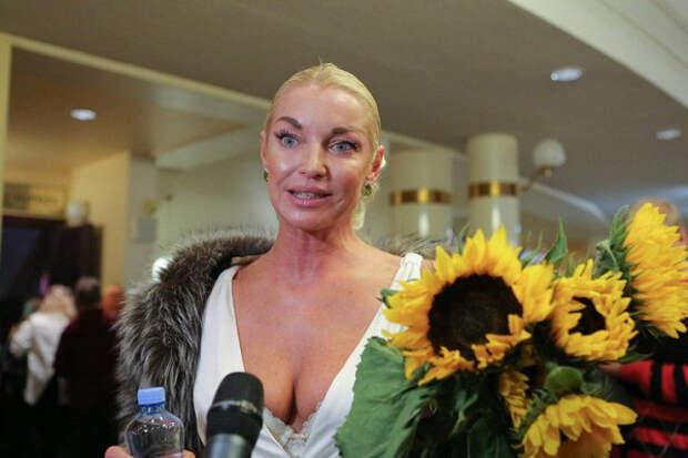 «Мнесвойственно разочаровываться»: Волочкова заявила орасставании смужчиной