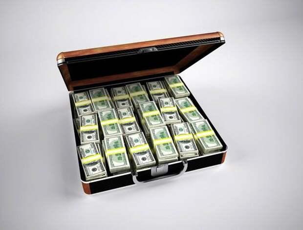 Сенатор Джабаров о проекте ЕП по отключению России от SWIFT: придется платить за нефть «наличными в чемоданах»