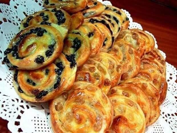 Как испечь простые булочки на завтрак?