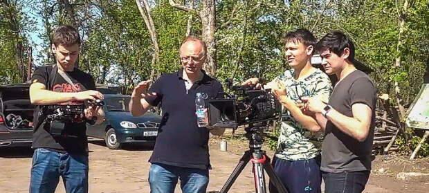Сбербанк заблокировал счета снимающего на Донбассе режиссёра