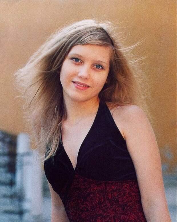 Кристина Асмус ответила на обвинения в злоупотреблении пластической хирургией