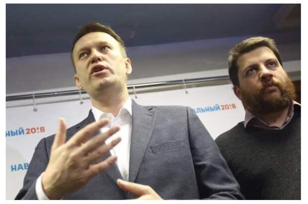 «Шарите»: Алексей Навальный полностью отключен от ИВЛ. Он начал ходить
