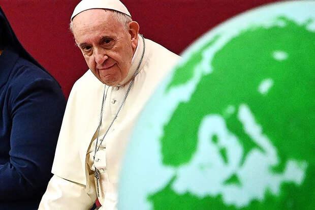 Папа римский отказался от своих слов о поддержке однополых браков
