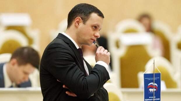 Единоросс на пленарном заседании обвинил Вишневского в низкой эффективности