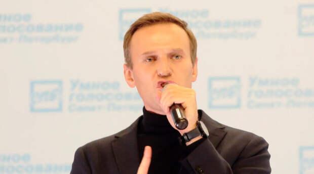 Свыше 300 человек объявили голодовку в знак солидарности с Алексеем Навальным