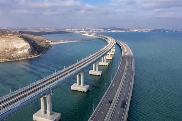 2 млн автомобилей проехало по Крымскому мосту за лето