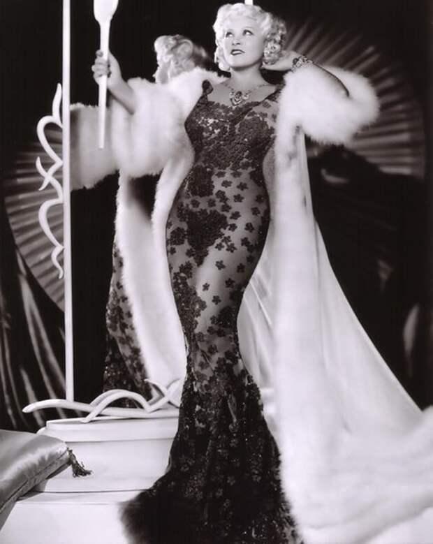 В 1930-х Ма Вест (Mae West) прослыла сторонницей сексуальной свободы.