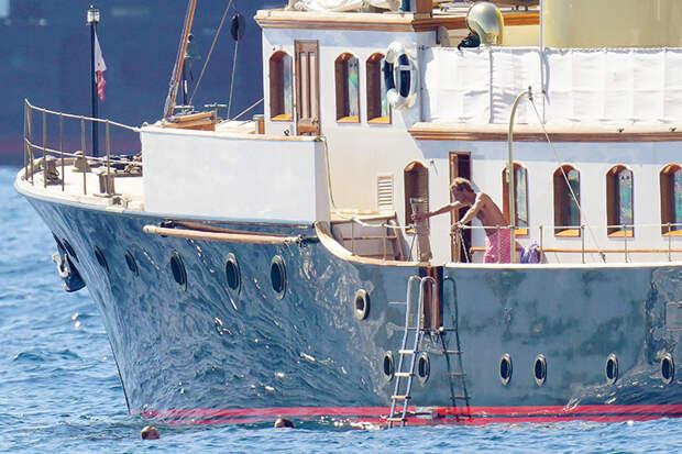 Небо, море, облака: принц Монако Андреа Казираги и Татьяна Санто-Доминго на отдыхе в Сен-Тропе