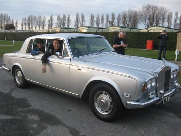 Транспортировка автомобиля на аукцион Коен Queen, Фредди Меркьюри, авто, автомобили, знаменитость, певец, факты