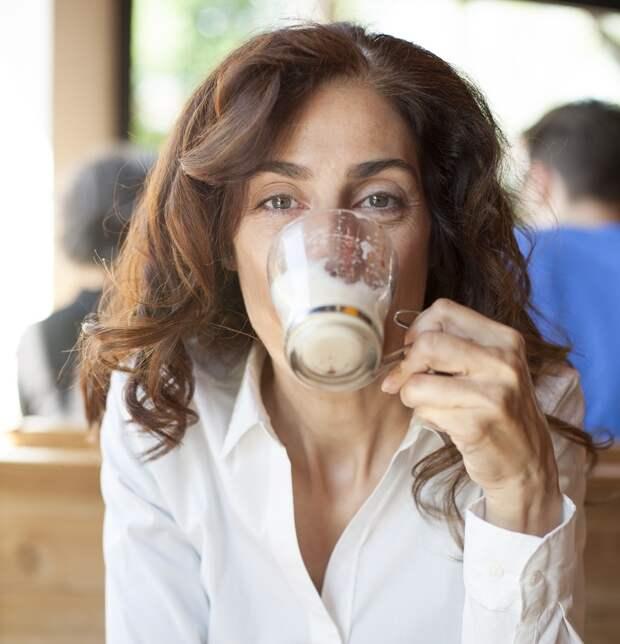 20 неочевидных ошибок, которые совершает в зарубежных кафе практически каждый турист
