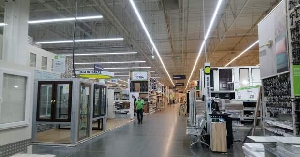 Российские покупатели потянулись за стройматериалами и спорттоварами