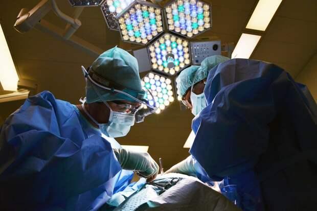 Московские хирурги удалили мужчине гигантскую опухоль весом 48,5 кг