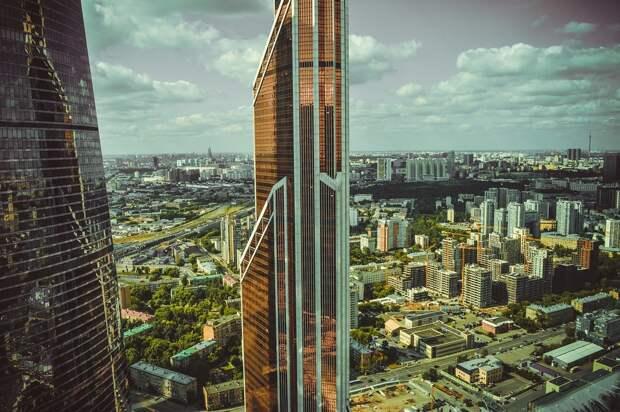 Москва вошла впервую десятку рейтинга городов поросту цен нажилье