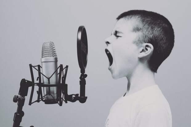 Психолог семейного центра «Сокол» рассказала, как научить ребенка выражать свои чувства