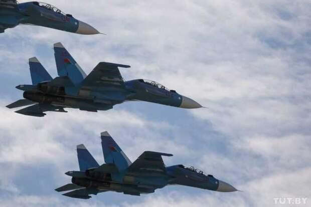 Истребители Су-30 ВВС Белоруссии прогнали самолеты НАТО