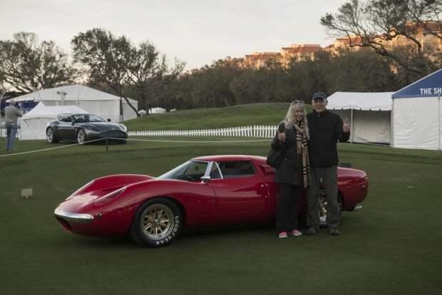 Майкл Шоэн с женой и Shelby Lone Star на конкурсе элегантности Amelia Island 2018 года Shelby Lone Star, shelby, авто, автодизайн, концепт-кар, олдтаймер, прототип