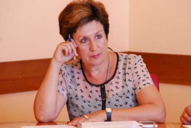 Алтабаева распсиховалась на заседании ЗакСобрания