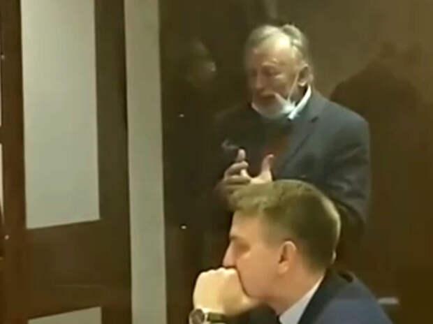 Историк Соколов устроил в суде истерику: приговор оставили в силе
