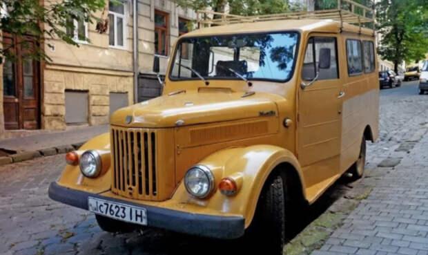 В Украине заметили очень необычный внедорожник
