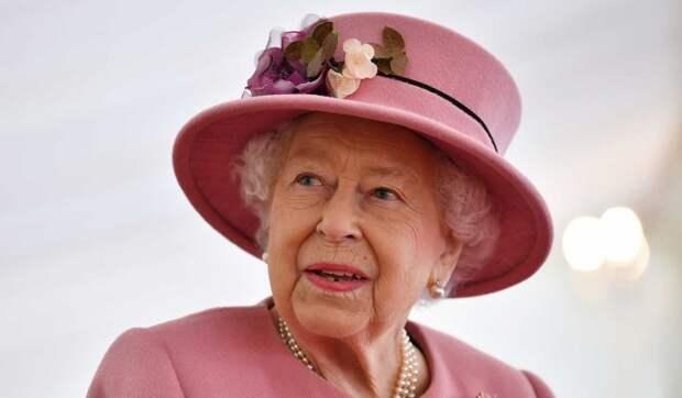 Появились данные о двойнике Елизаветы II