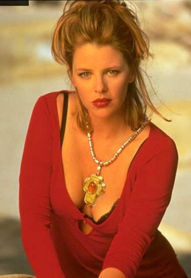 Красотка из 90-ых Трейси Линд