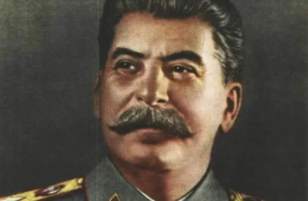 Чтобы сейчас справиться с предателями, нужен человек, равный Сталину