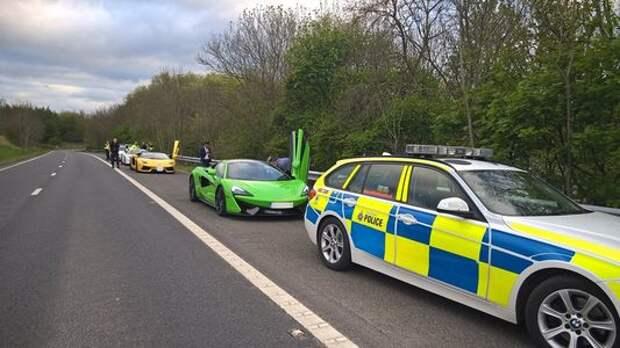 Так делают в Британии: полиция конфисковала машины «гонщиков»
