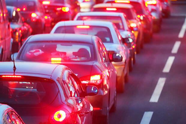 На Дмитровском шоссе ДТП заблокировало движение
