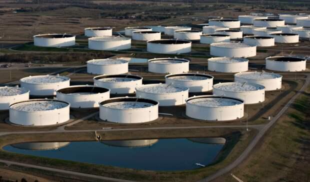 Исторический рекорд поставили запасы нефти вСША