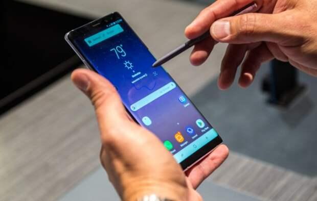 Смартфоны Samsung самостоятельно отправляют фото чужим людям