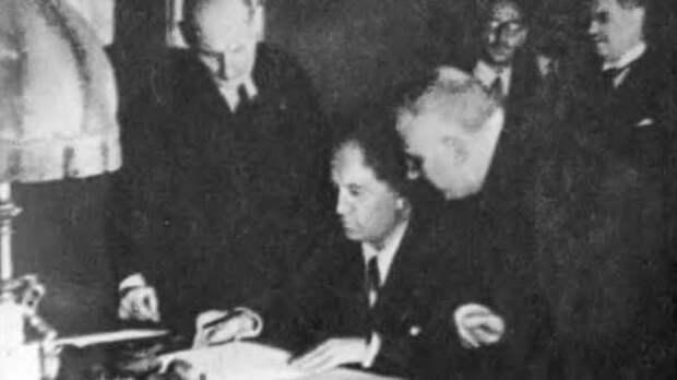 Как Сталин и Муссолини объединились против Гитлера