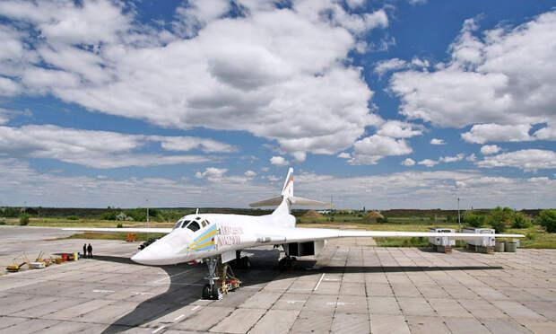 Дальняя авиация: «Белый лебедь» клюет американского «Духа»